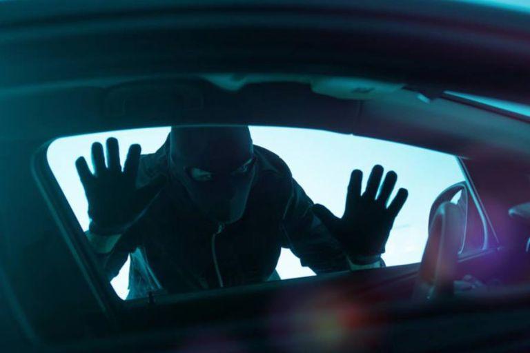 Νέα μεγάλη απάτη για να σας κλέψουν το αυτοκίνητο - Δείτε το κόλπο   tanea.gr