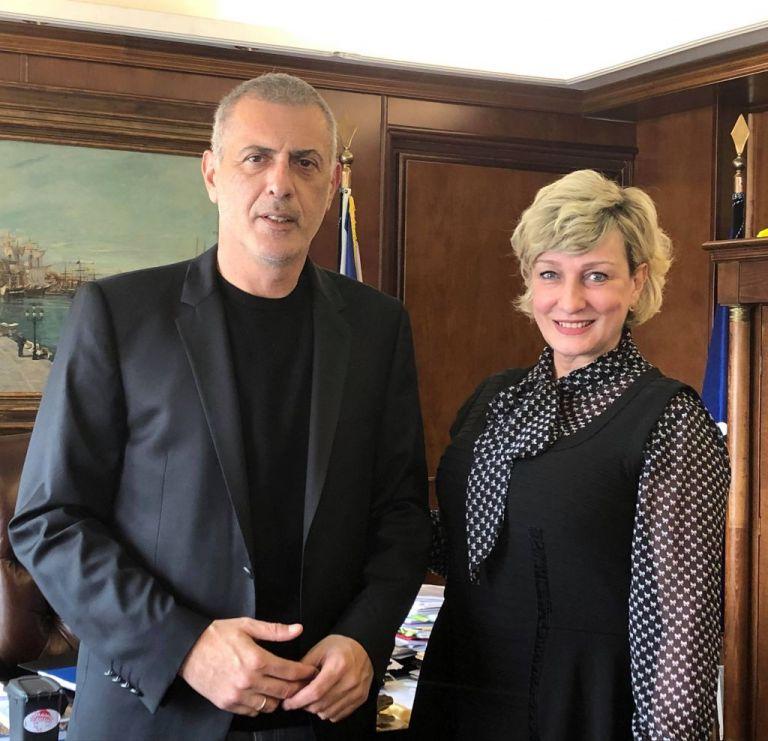 Δύο νέες υποψήφιες με τον Γιάννη Μώραλη και τον συνδυασμό «Πειραιάς Νικητής» | tanea.gr