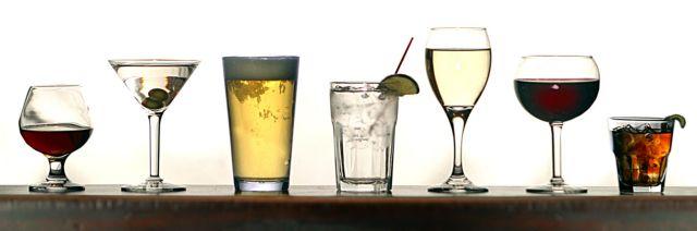 Πιο κοντά το εγκεφαλικό με ένα ποτήρι αλκοόλ τη μέρα | tanea.gr
