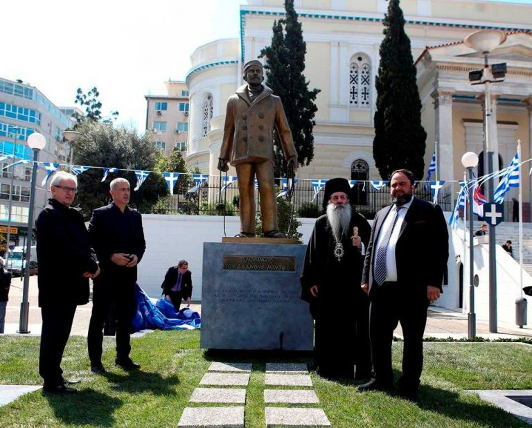 New monument honours Greek shipping, great Greek sailors | tanea.gr