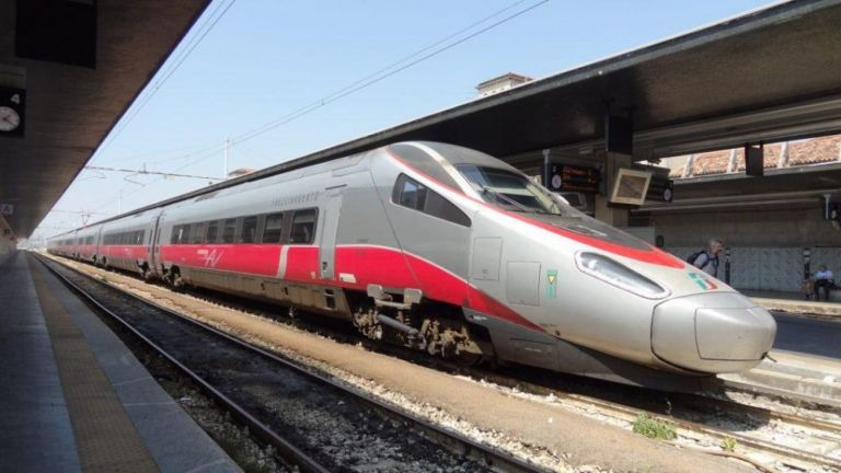 Τον Μάιο στην Ελλάδα το πρώτο γρήγορο τρένο   tanea.gr