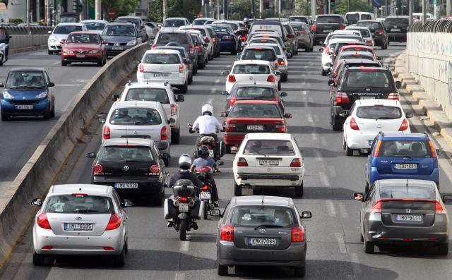 Κίνηση στους δρόμους: Μποτιλιάρισμα σε εθνικές οδούς και Πειραιά | tanea.gr