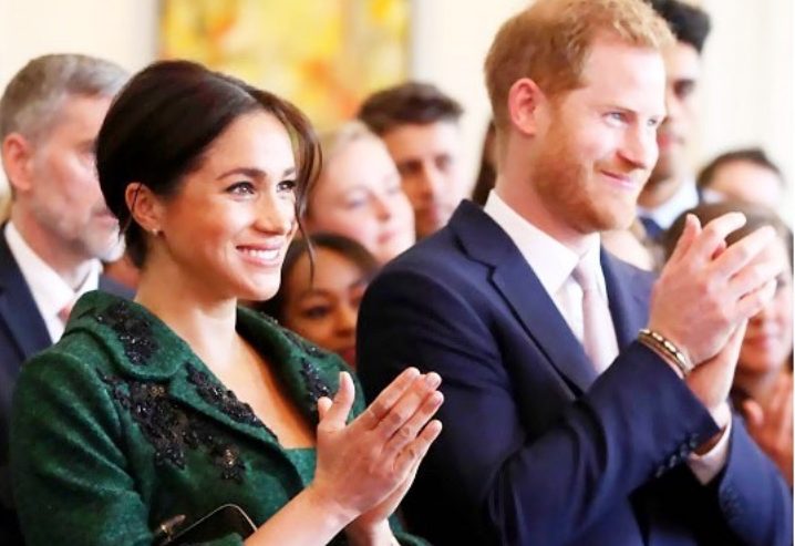 Γενέθλια για την βασίλισσα Ελισάβετ: Πως ευχήθηκε ο Χάρι και η Μέγκαν; | tanea.gr