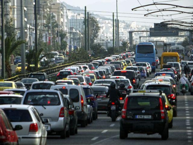Σημειωτόν στους δρόμους λόγω της βροχής   tanea.gr