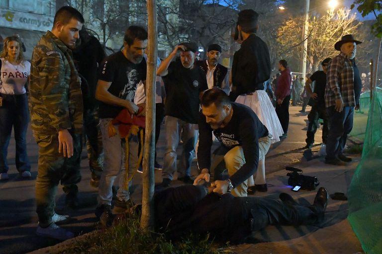 Ματωμένο Πάσχα : Σκοτώθηκε εικονολήπτης στον σαϊτοπόλεμο της Καλαμάτας   tanea.gr