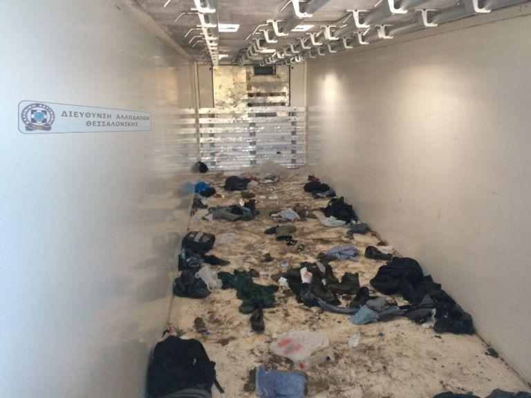 Θεσσαλονίκη: Εκρυβε 59 μετανάστες σε κρύπτη φορτηγού | tanea.gr
