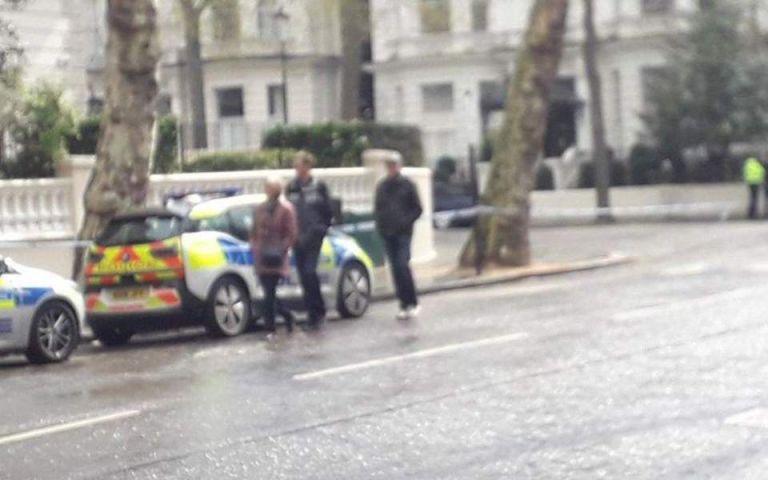 Πυροβολισμοί κοντά στην πρεσβεία της Ουκρανίας στο Λονδίνο   tanea.gr