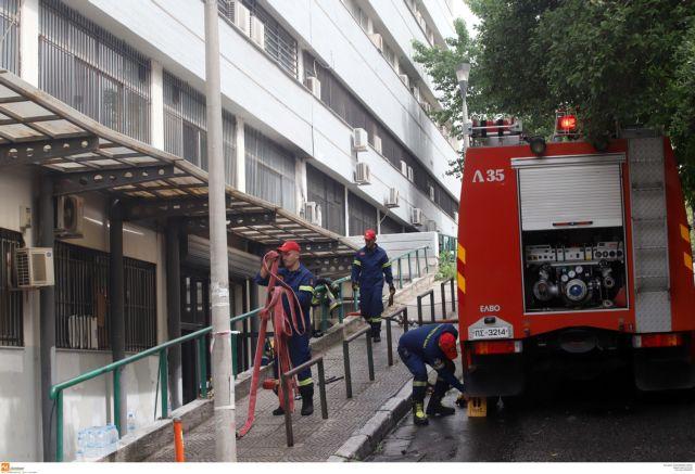 Φωτιές σε διαμέρισμα στην πλατεία Βάθη και σε κατάστημα στη Γλυφάδα   tanea.gr