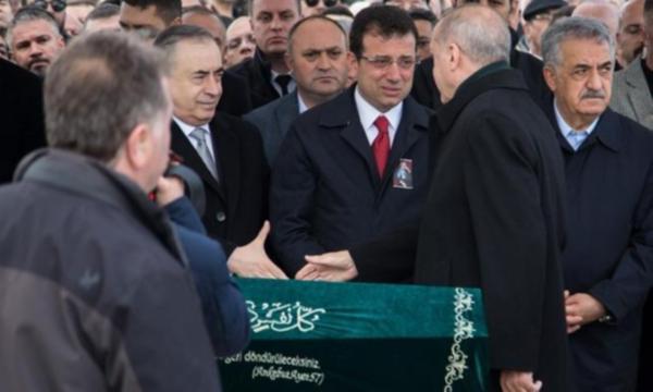 Δεν έχει «χωνέψει» την ήττα ο Ερντογάν: Προσπέρασε επιδεικτικά τον Ιμάμογλου | tanea.gr