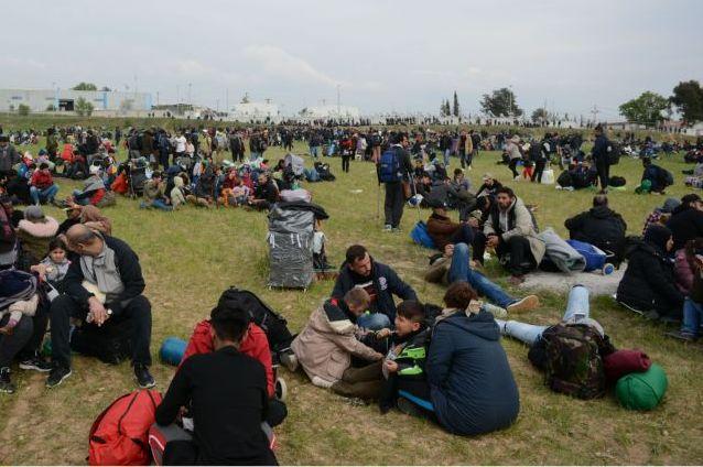 Διαβατά: Το «fake» σημείωμα που έλαβαν οι πρόσφυγες για το «Καραβάνι της Ελπίδας» | tanea.gr