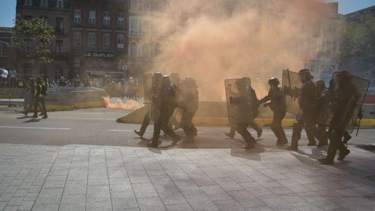 Τουλούζη: Νέες συγκρούσεις των «Κίτρινων Γιλέκων» με την Αστυνομία | tanea.gr