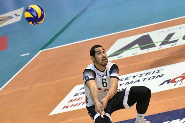 MVP ο Γκάρετ: «Χαρούμενος για το Κύπελλο, κοιτάμε το πρωτάθλημα» | tanea.gr