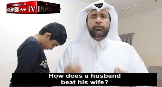Κατάρ: «Κοινωνιολόγος» δείχνει πως να ξυλοφορτώνεις τη γυναίκα | tanea.gr