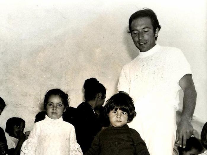 Πέθανε ο ιδιοκτήτης του θρυλικού «Ρεμέτζο» στη Μύκονο, Μάκης Ζουγανέλης | tanea.gr