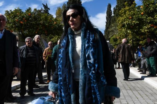 Θύμα διάρρηξης έπεσε η Ζωζώ Σαπουντζάκη | tanea.gr