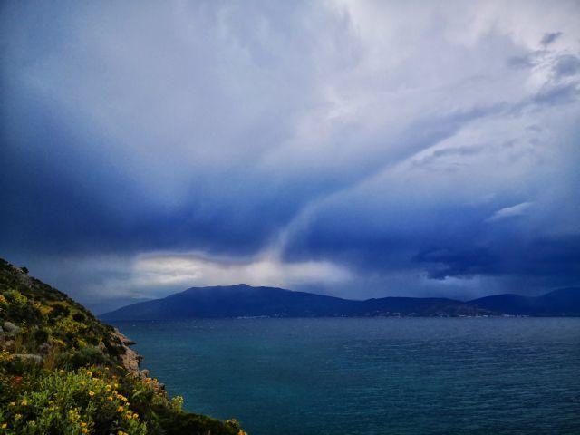 Συνεχίζεται η κακοκαιρία: Καταιγίδες, βροχές ακόμη και χαλάζι | tanea.gr