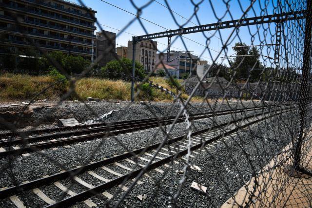 Εκτροχιάστηκαν βαγόνια του προαστιακού - τραυματίστηκαν επιβάτες | tanea.gr