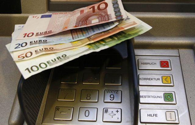 Έκλεψε κάρτα ανάληψης και αφαίρεσε 8.500 ευρώ | tanea.gr