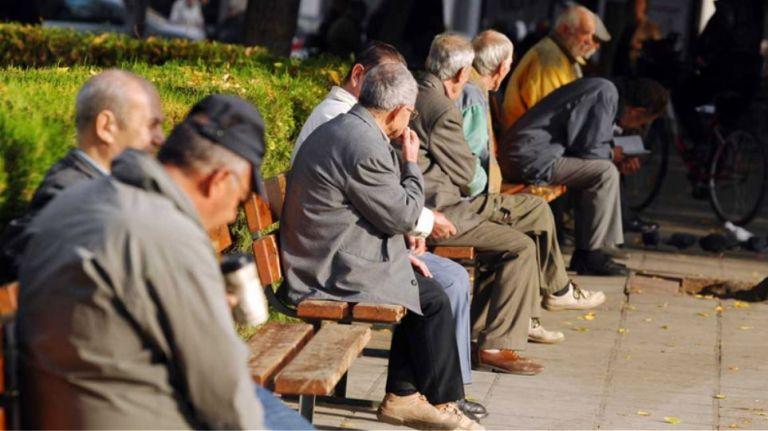 Συντάξεις: Δημογραφική βόμβα 1,3 δισ. ευρώ το χρόνο | tanea.gr