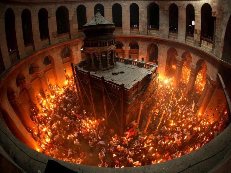 Live: Η τελετή Αφής του Αγίου Φωτός από τα Ιεροσόλυμα   tanea.gr