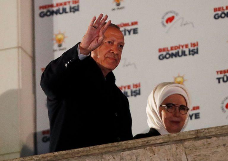 Τουρκία: Χαμός με τις δημοτικές εκλογές - Ο Σουλτάνος έχασε Αγκυρα, Σμύρνη, θρίλερ στην Πόλη | tanea.gr