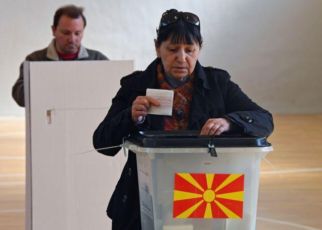Αντίστροφη μέτρηση για τον β' γύρο των προεδρικών εκλογών στη Βόρεια Μακεδονία | tanea.gr