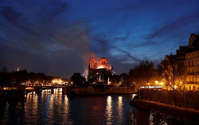 Ουνέσκο για Παναγία των Παρισίων: Στο πλευρό της Γαλλίας για την αποκατάστασή της | tanea.gr