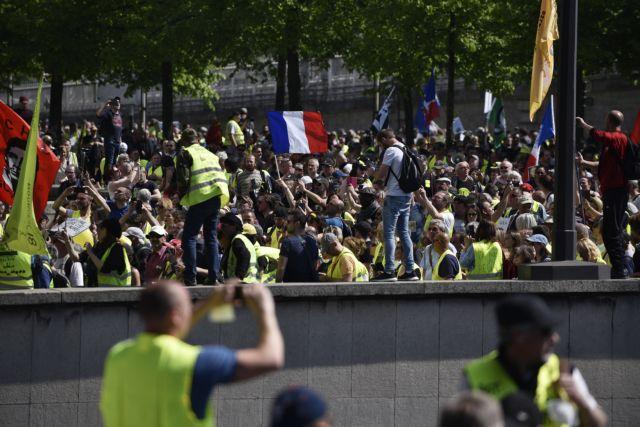 Το 60% των Γάλλων θέλει να σταματήσουν οι κινητοποιήσεις των «κίτρινων γιλέκων» | tanea.gr