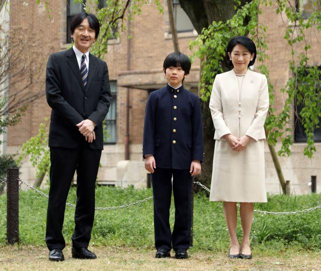 Ιαπωνία : Βρέθηκαν κουζινομάχαιρα στο θρανίο του πρίγκιπα Χισαχίτο | tanea.gr