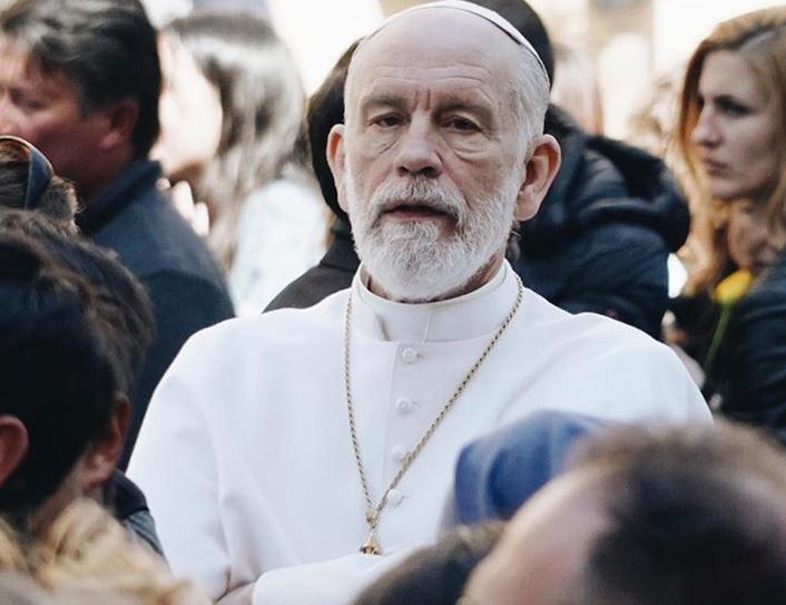 Ο Τζον Μάλκοβιτς εμφανίστηκε ως «Πάπας» στην πλατεία του Αγίου Πέτρου | tanea.gr