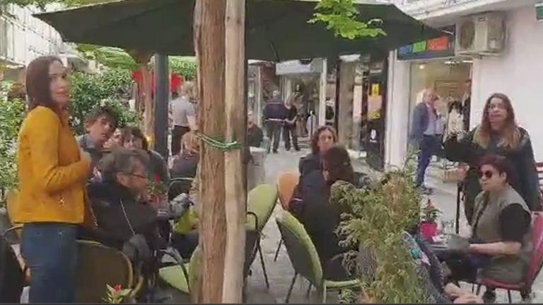 Ο Καρανίκας λίγο έλειψε να πιαστεί στα χέρια με πολίτες για τα Σκόπια | tanea.gr