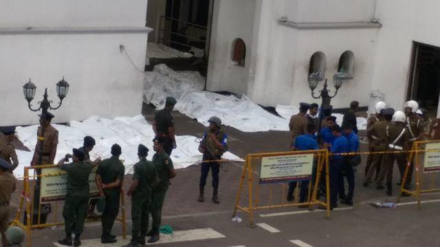 Σρι Λάνκα: Στους 290 οι νεκροί μετά τις πολλαπλές επιθέσεις | tanea.gr
