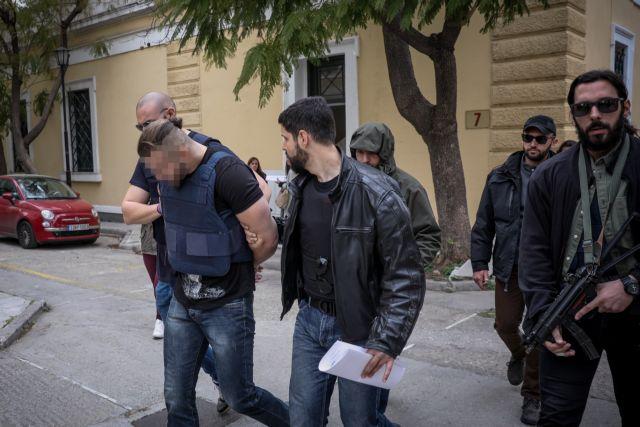 Δολοφονία Μακρή: Στον ανακριτή σήμερα ο 31χρονος εκτελεστής   tanea.gr