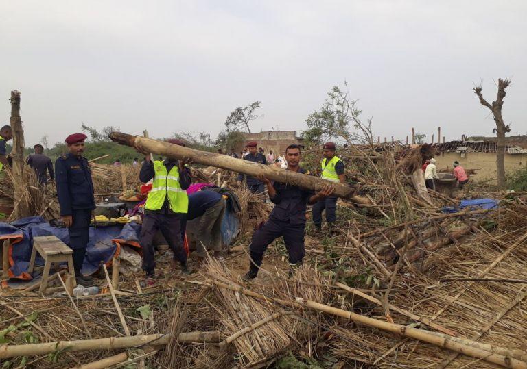 Φονική καταιγίδα στο Νεπάλ : 25 νεκροί και 400 τραυματίες | tanea.gr