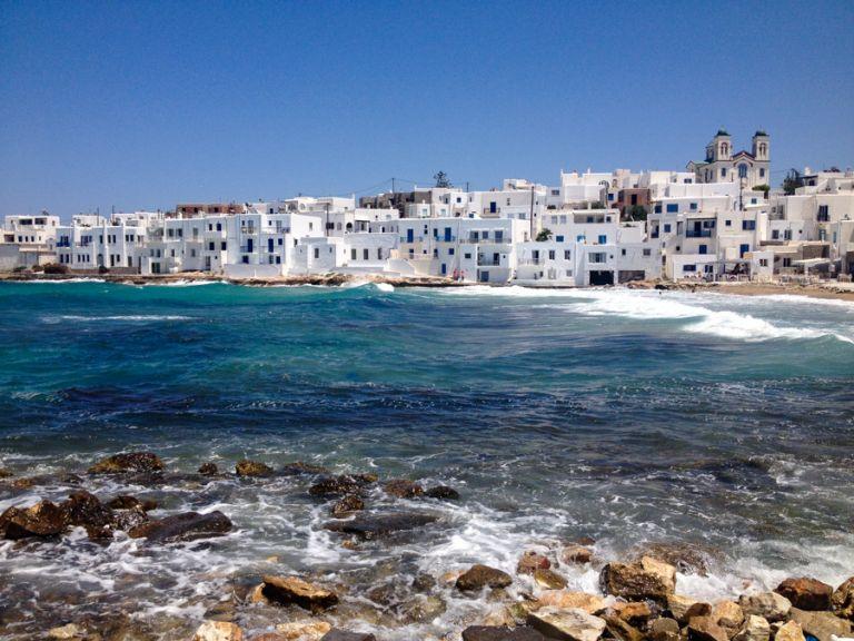 Πάρος και Μήλος στις καλύτερες προτάσεις για διακοπές σε όλο τον κόσμο | tanea.gr