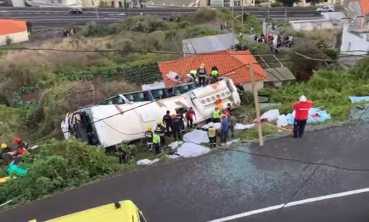 Πορτογαλία: Η πτώση του λεωφορείου | tanea.gr