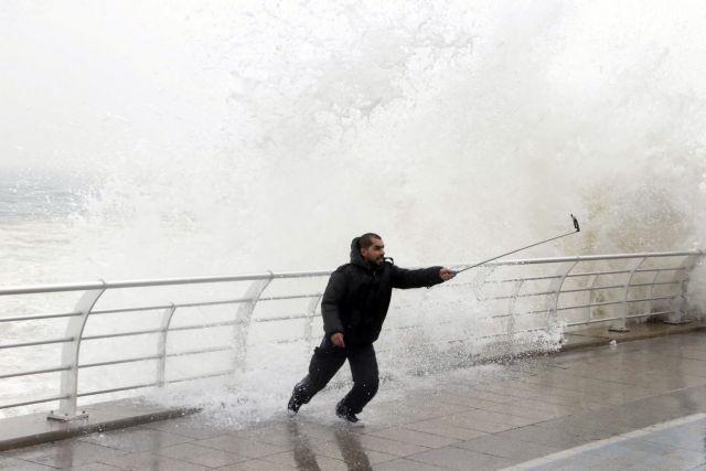 Πνίγηκε στο Νείλο προσπαθώντας να βγάλει σέλφι | tanea.gr