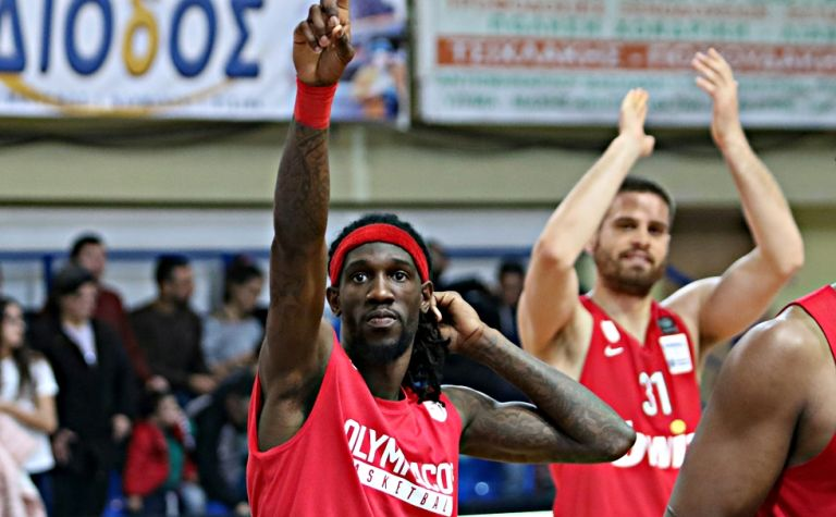 Ο Ουέμπερ αποχαιρετά τον κόσμο του Ολυμπιακού [Εικόνα] | tanea.gr
