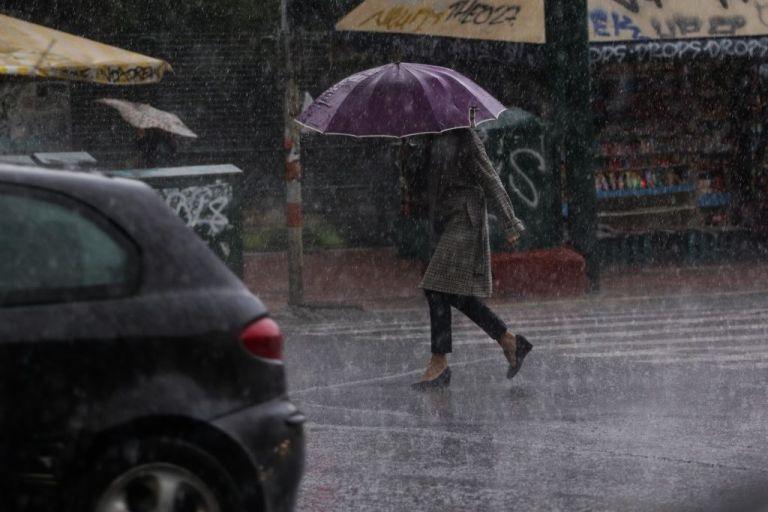 Βροχές και καταιγίδες σε όλη τη χώρα το Σάββατο | tanea.gr