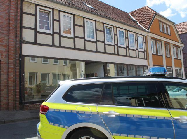 Θρίλερ με τα πτώματα στη Βαυαρία - Βρέθηκαν τρυπημένα με βέλη | tanea.gr
