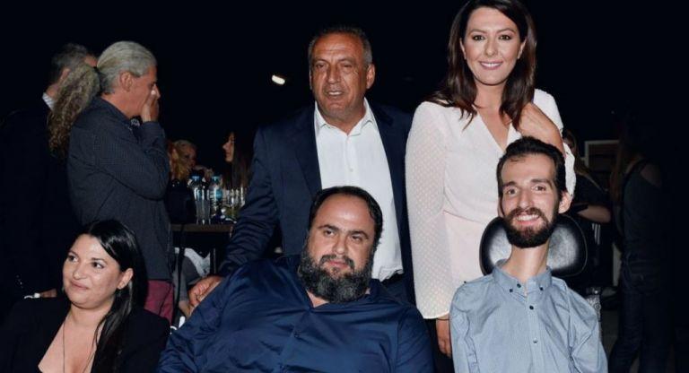 Βαγγέλης Μαρινάκης και Στέλιος Κυμπουρόπουλος μαζί στον Πειραιά   tanea.gr