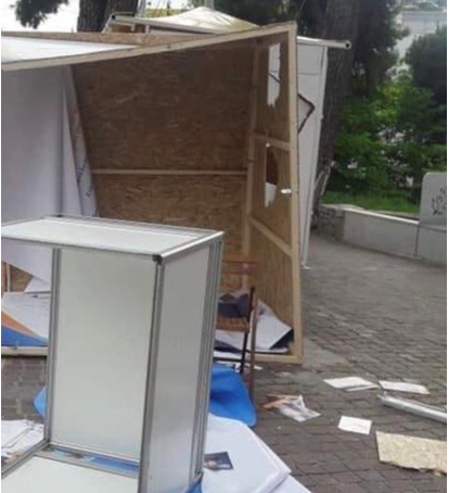 Βανδαλισμοί στα εκλογικά περίπτερα του Γ. Πατούλη | tanea.gr