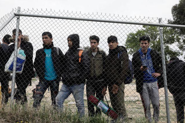 Έβρος: Καταγγελίες για βία σε πρόσφυγες από περιπόλους ενόπλων   tanea.gr
