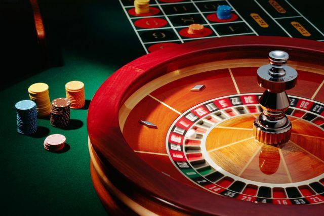 Σύλληψη καταστηματάρχη που λειτουργούσε παράνομο μίνι καζίνο | tanea.gr