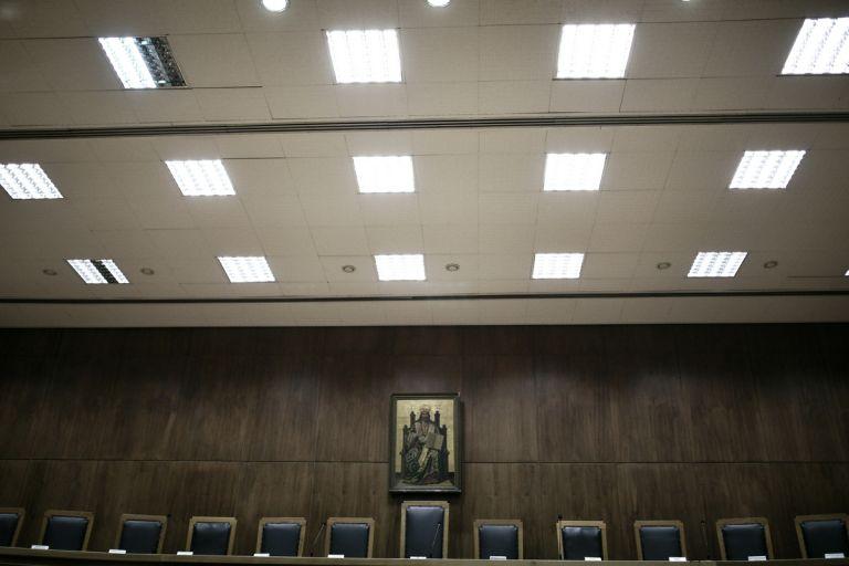 «Όχι» του ΣτΕ στην Ένωση Αθέων για τις θρησκευτικές εικόνες στη δικαστική αίθουσα | tanea.gr