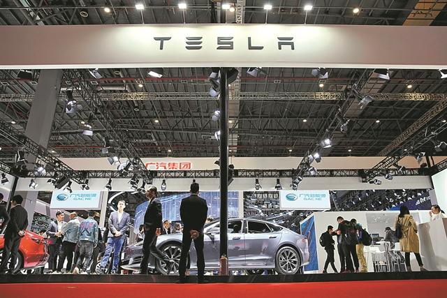 Επιχείρηση γοητεία από Tesla σε Ευρώπη και Κίνα | tanea.gr