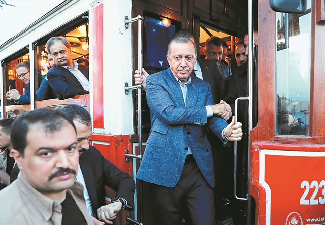 Απειλεί με υποβάθμιση την Τουρκία, δείχνει ΔΝΤ | tanea.gr