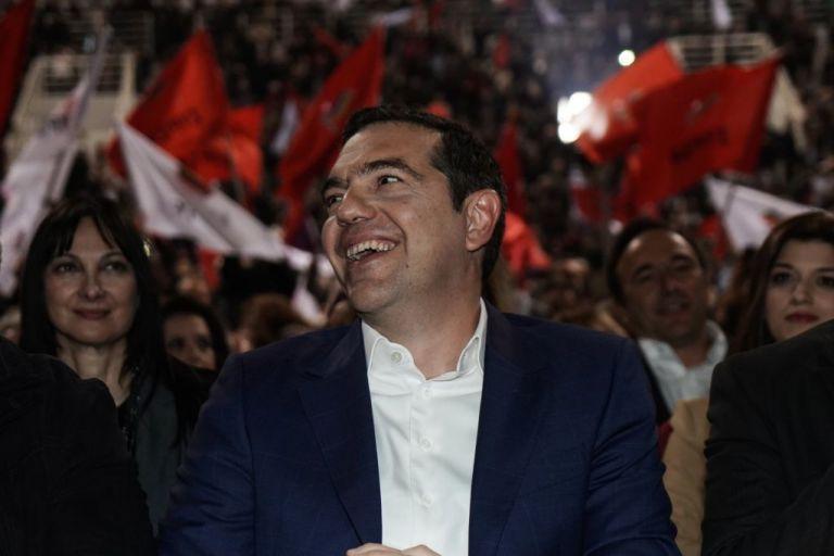 Handelsblatt: Η κυβέρνηση Τσίπρα μοιράζει παροχές για να εισπράξει ψήφους   tanea.gr