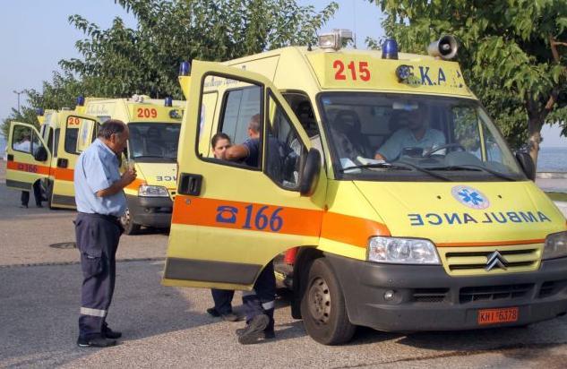Τροχαίο στη Βάρκιζα : Διασωληνωμένο 14χρονο κορίτσι στο Παίδων   tanea.gr