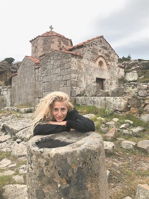Βένια Δημητρακοπούλου   tanea.gr